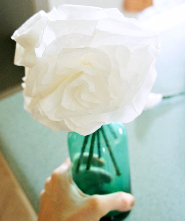 coffee filter flowers step by step in a vase