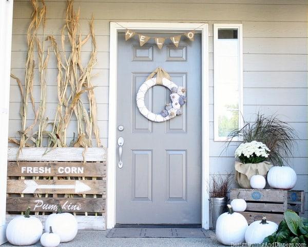 gray-door-bunting