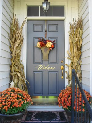 thrifydecorchick-fall-porch