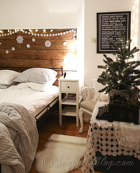 Christmas-decorating-in-the-bedroom-via-Songbirdblog-1