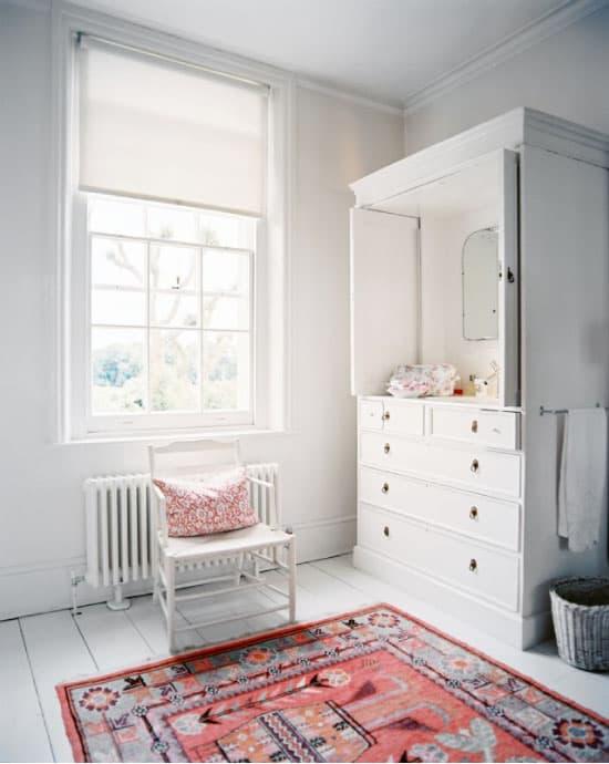 Oriental-Rug-in-Bathroom2_Simply-Smitten