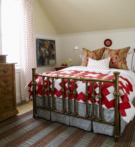 sarah-richardson-cottage-bedroom1
