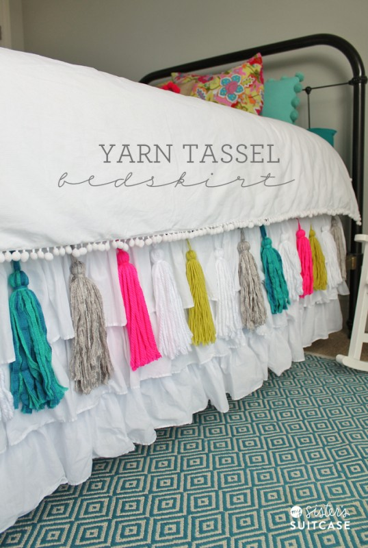 diy-yarn-tassel-bedskirt