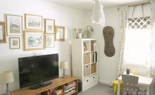 family-room-wall-art-700x429