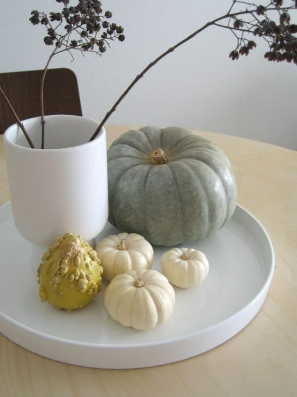 Modern fall decorating ideas up to date interiors for Contemporary table centerpieces