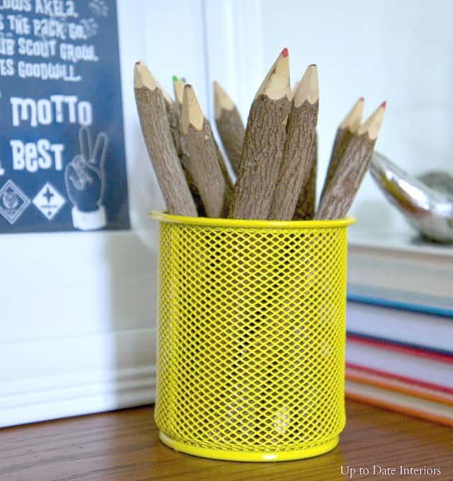 desk-top-pencils