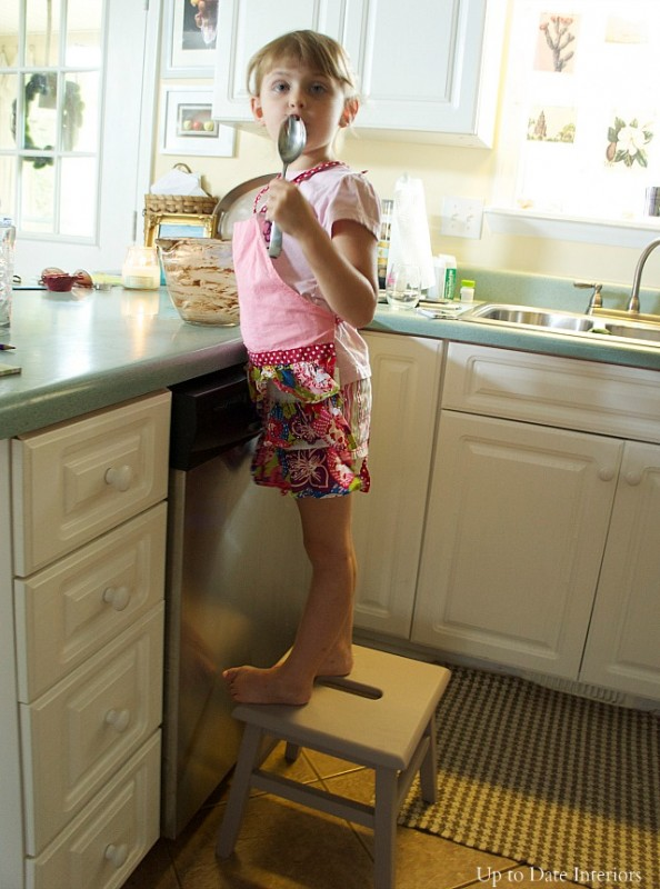 stool-girl