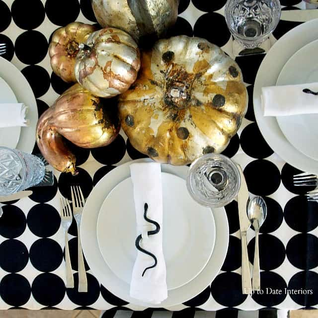 snake-pumpkins-place-setting
