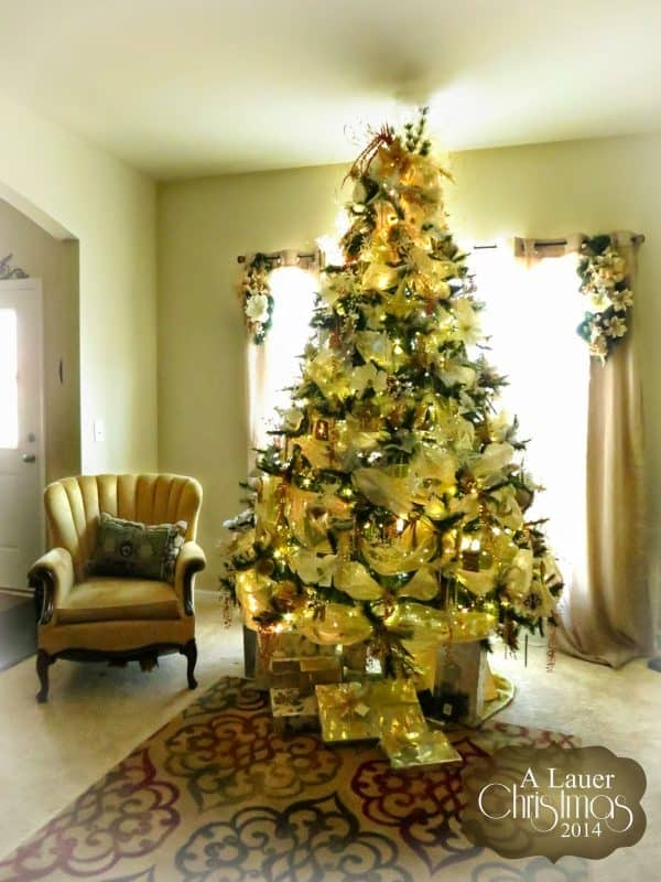 Christmas Tree Gold SIlver white Holiday decor Uniquely Grace Lauer Home Tour Parade blog hop