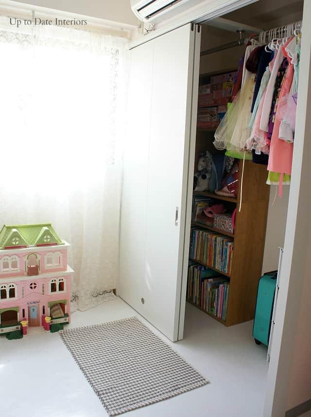 Kid friendly closet organization