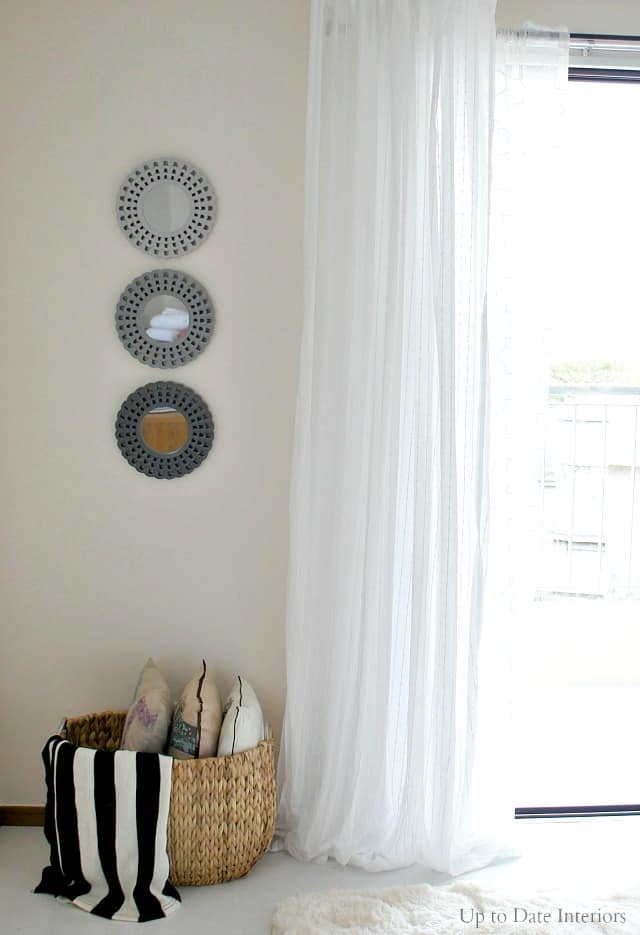 renter friendly wall hangings and curtains