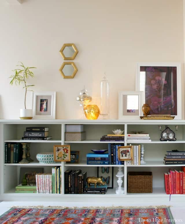 colorful shelf decorating ideas for a rental