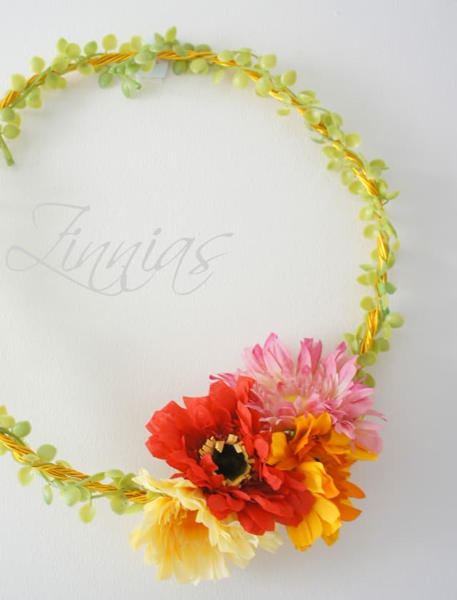 how to make a zinnia wreath