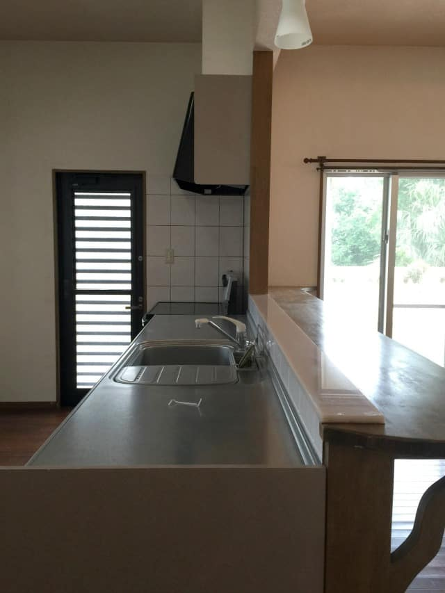 house-1-kitchen2