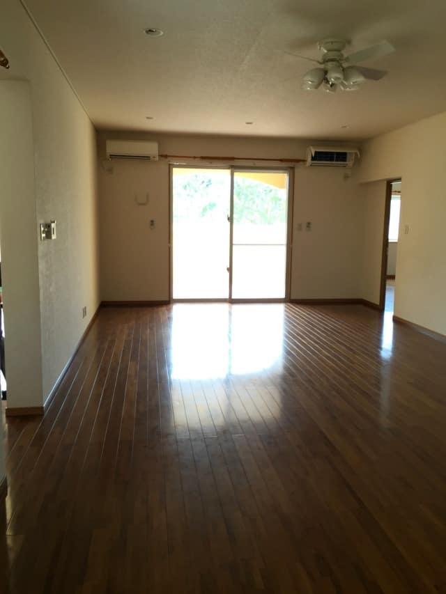 house2-livingroom2