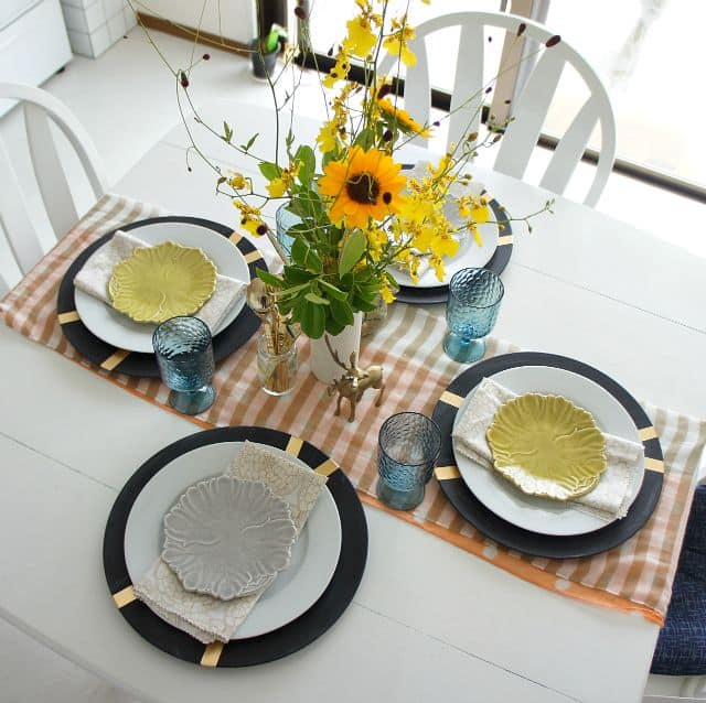 Simple fall tablescape up to date interiors for Plain white plates ikea
