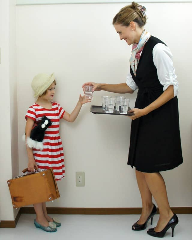 flight-attendant traveler mother daughter costume ideas