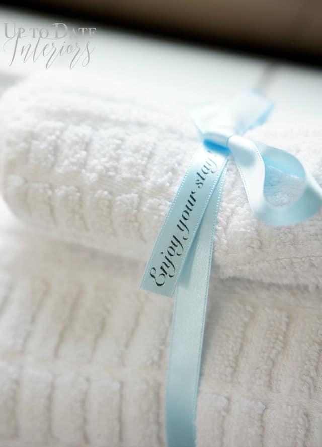 guest towels message
