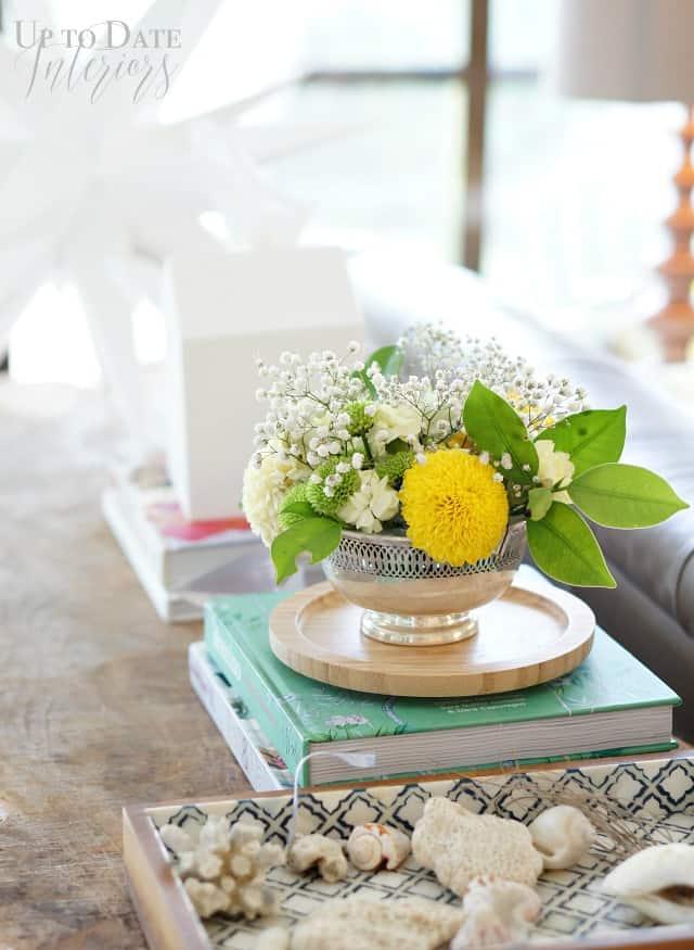 flower arrangement for the sofa table