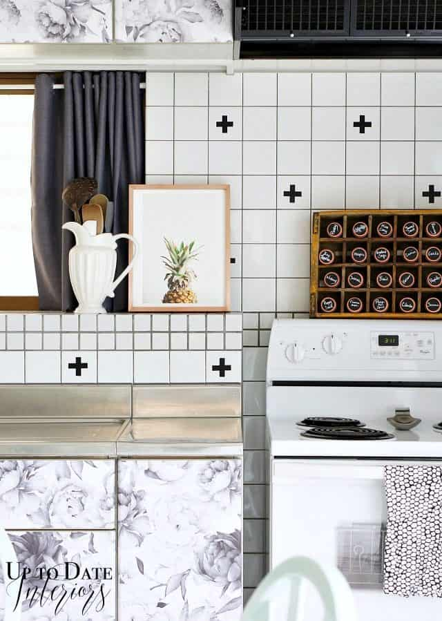 removable-wallpaper-kitchen-cabinets.