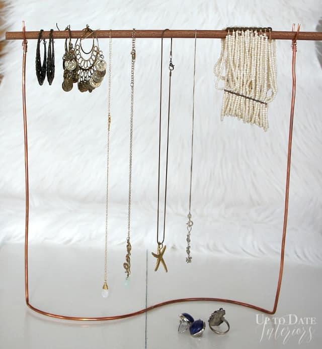 uo jewelry stand diy