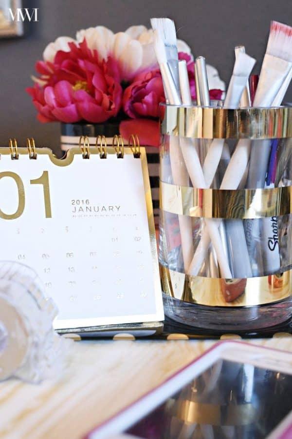 DIY-Metallic-Gold-Striped-Vases03