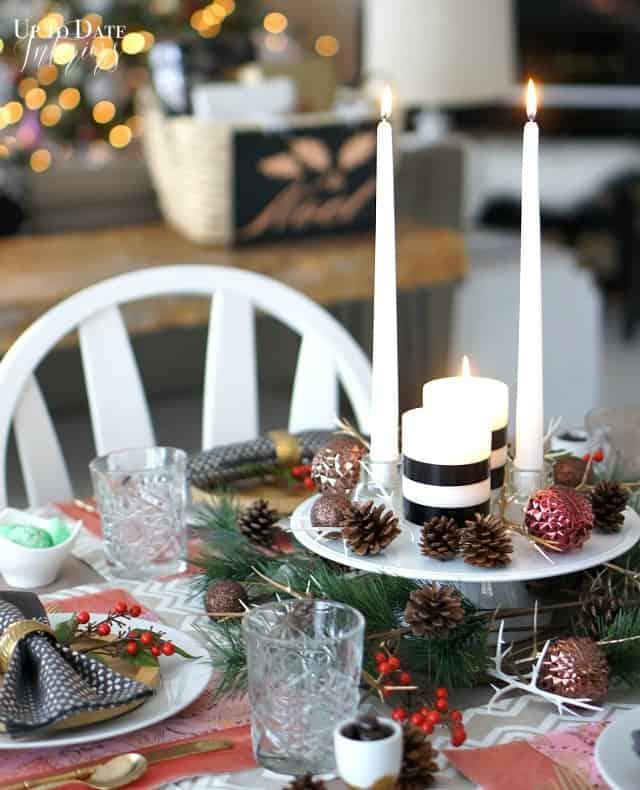 pink and gold Christmas table
