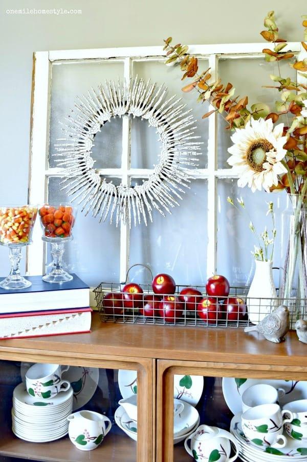 diy-skeleton-hand-halloween-wreath