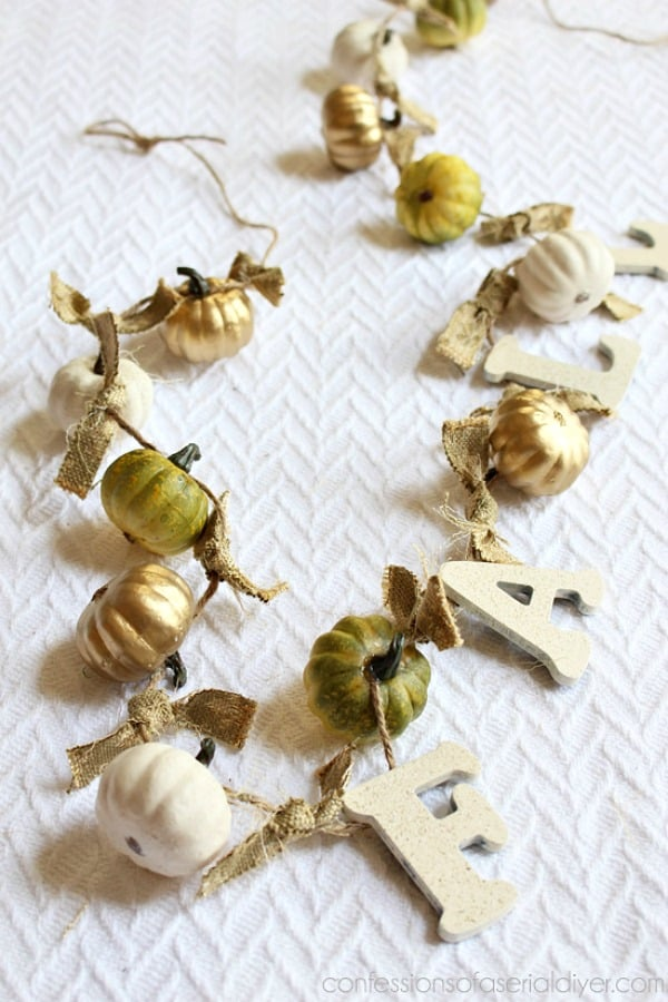 mini-pumpkin-garland-13