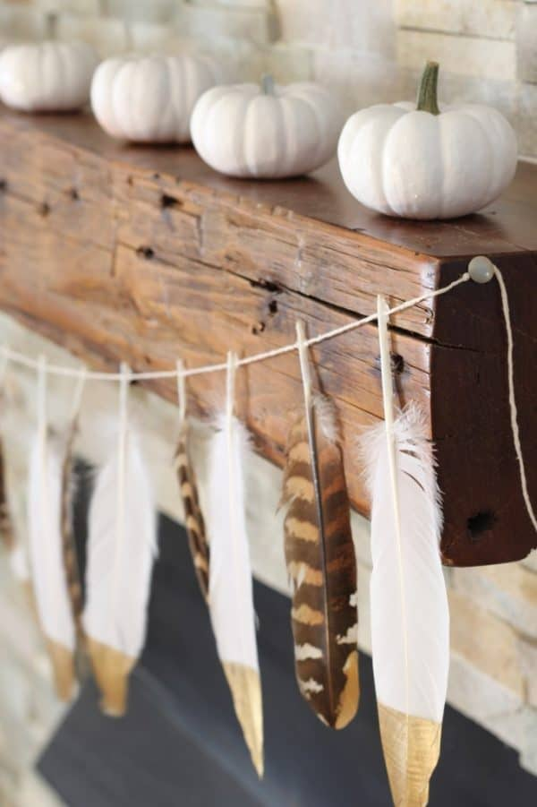 diy-gold-tip-fether-garland