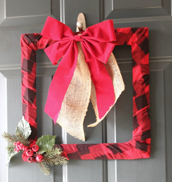 $10 DIY buffalo check wreath