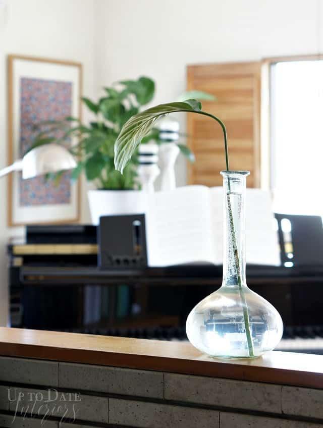 decor for grand piano in small space