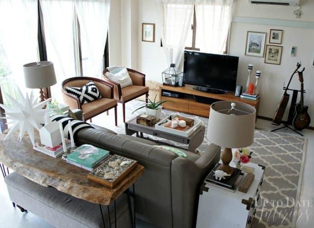rental living room furniture arrangement