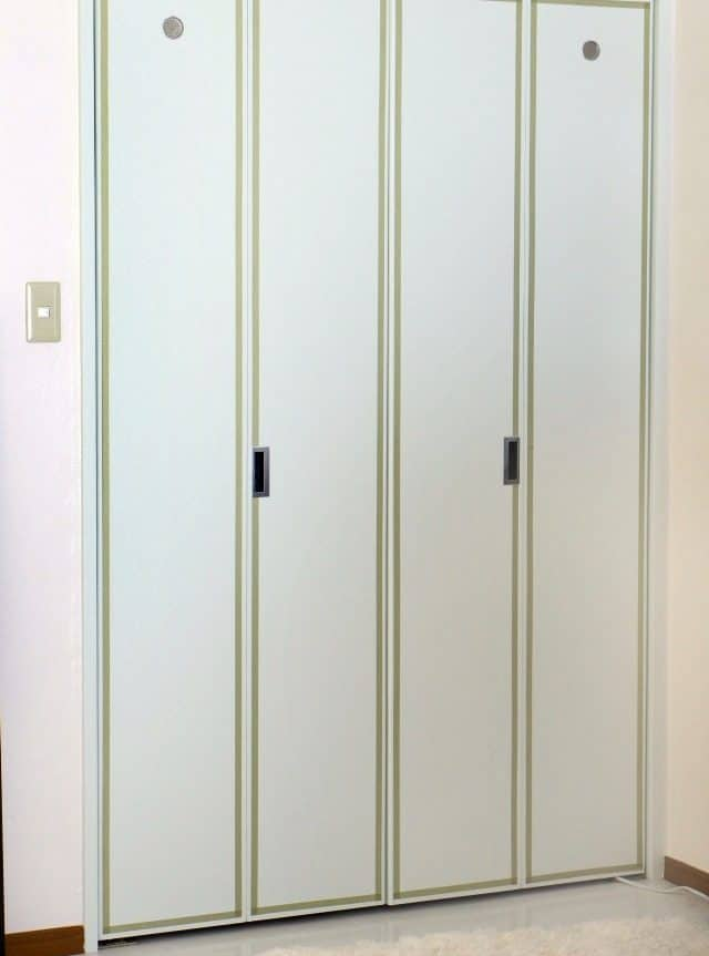 add details to rental closet doors with washi tape