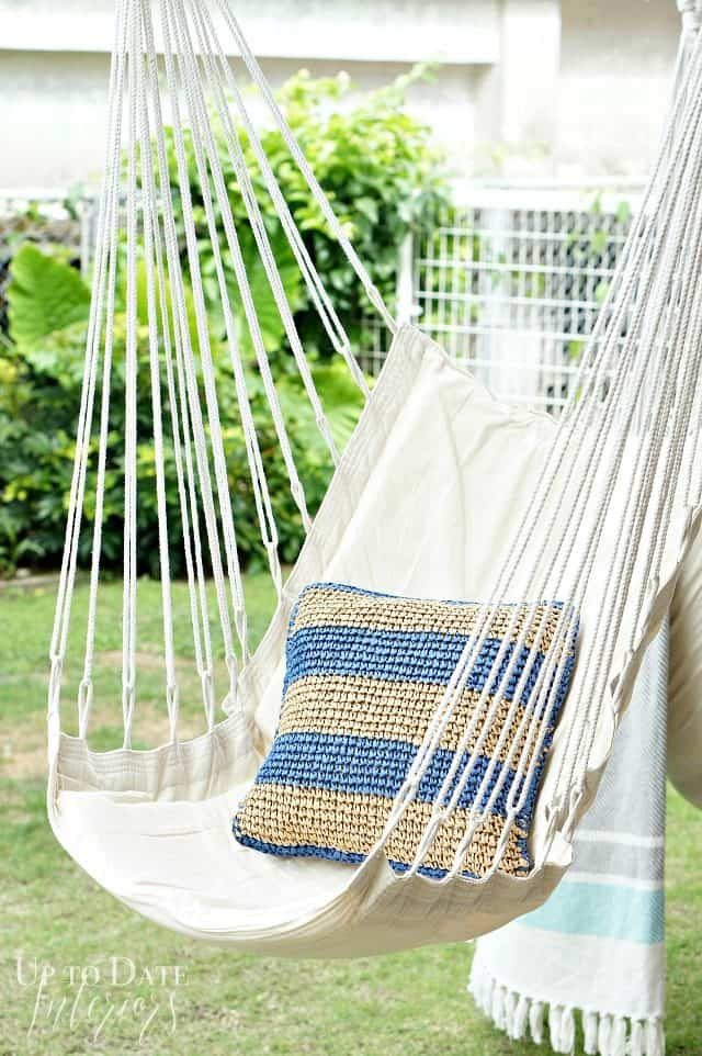 Outside pillows and blankets for a hygge home