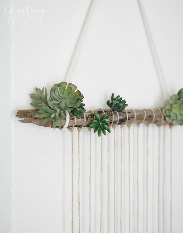 DIY-beach-door-hanging-on-white-wall