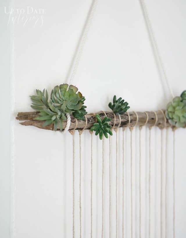 DIY-beach-door-hanging-on-white-wall