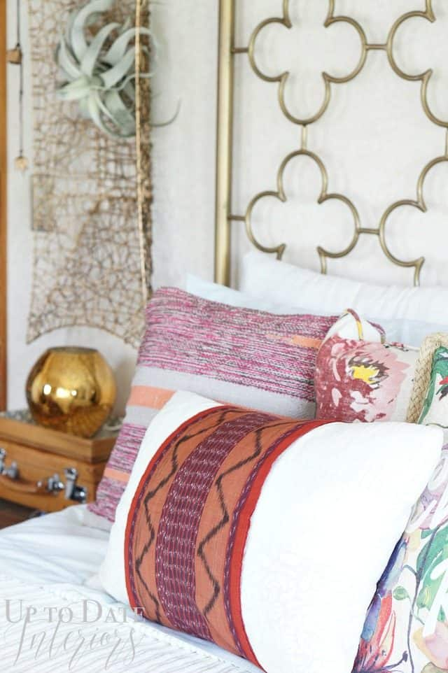 eclectic-decor-with-pops of gold