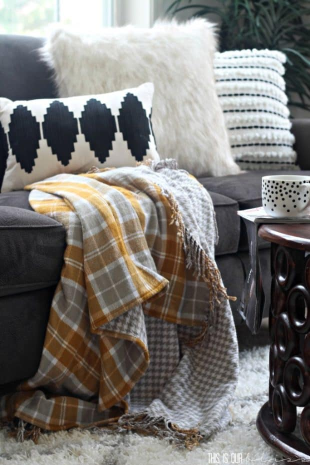 cozy-fall-living-room-This-is-our-Bliss-www.thisisourbliss.com_