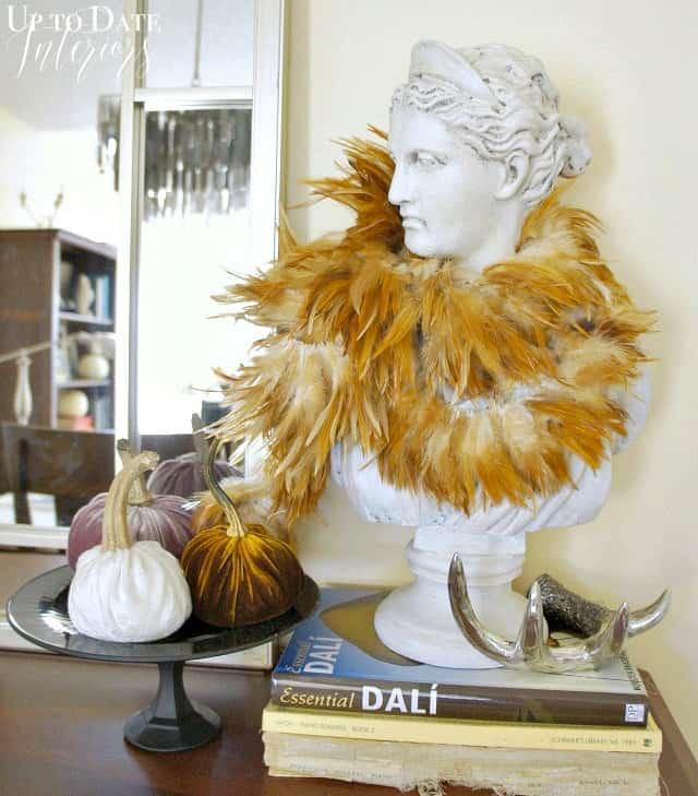 gather-daphne1-velvet-pumpkins-cake-stand