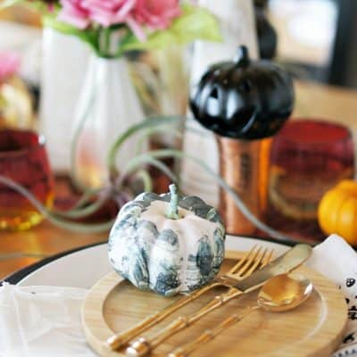 How to Make a Beautiful Table Setting for Halloween