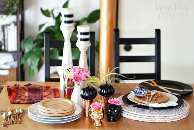 table-setting-materials-decor-halloween