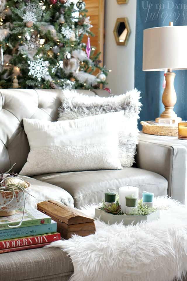 Add modern Christmas decor this year with a beautiful DIY advent wreath