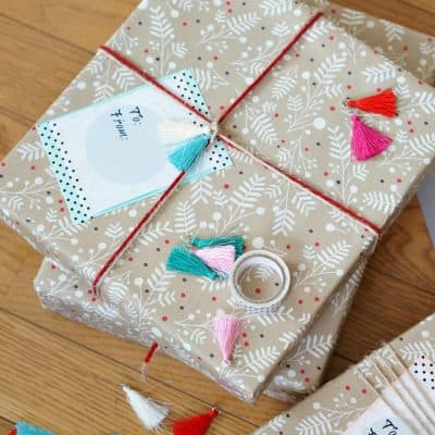 Make big and beautiful Christmas gift tags for free!