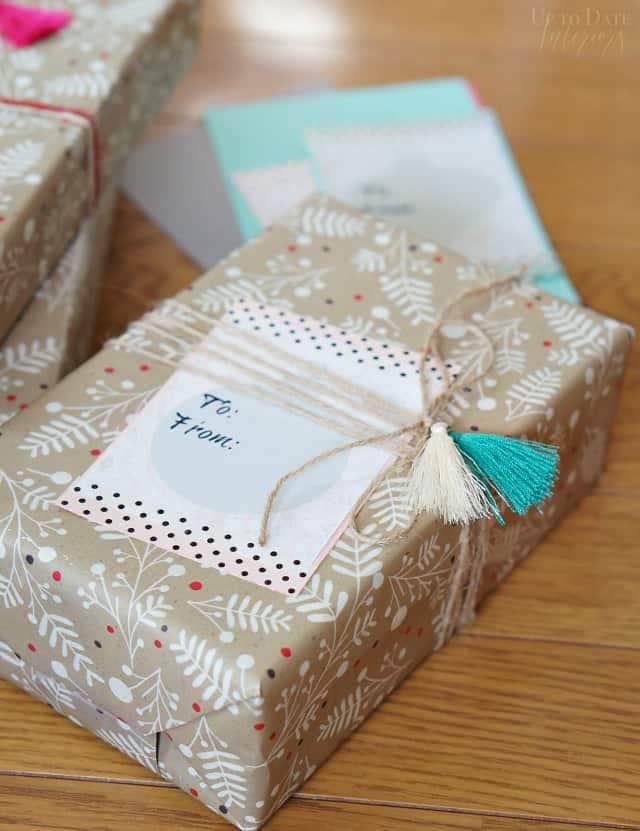 diy-gift-tag-marble-tassles