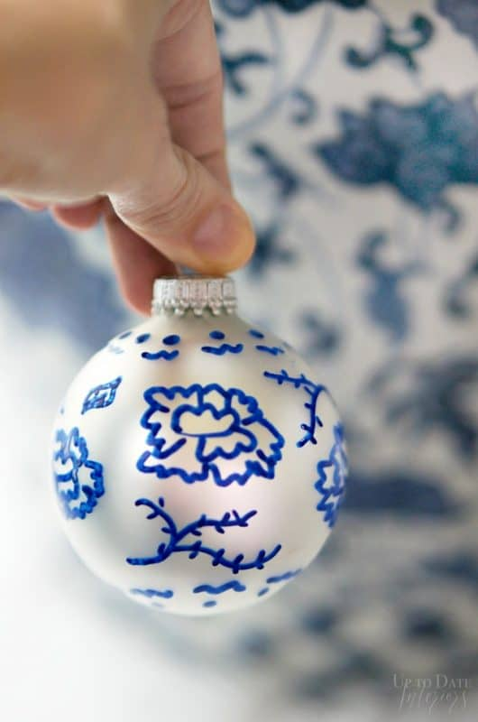 blue-and-white-ornament