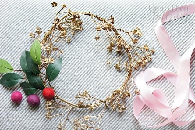 boho-christmas-wreath-ribbon-wool-balls
