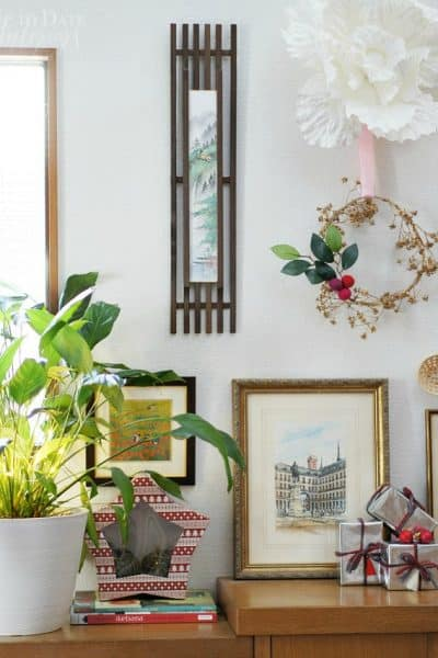 5 Easy Last Minute Christmas Decorating Ideas for the Foyer