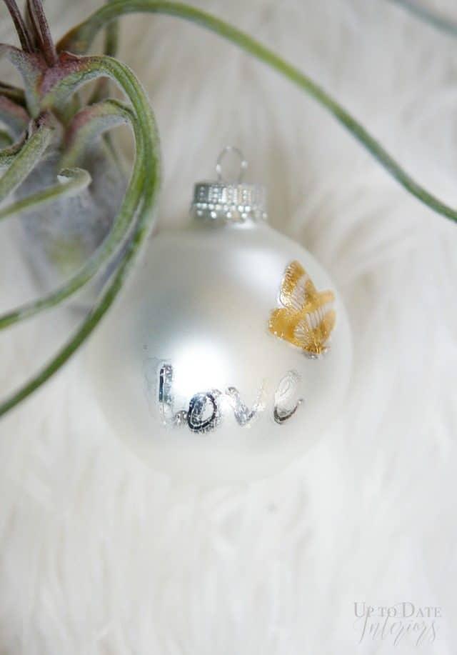 loove-tatoo-ornament