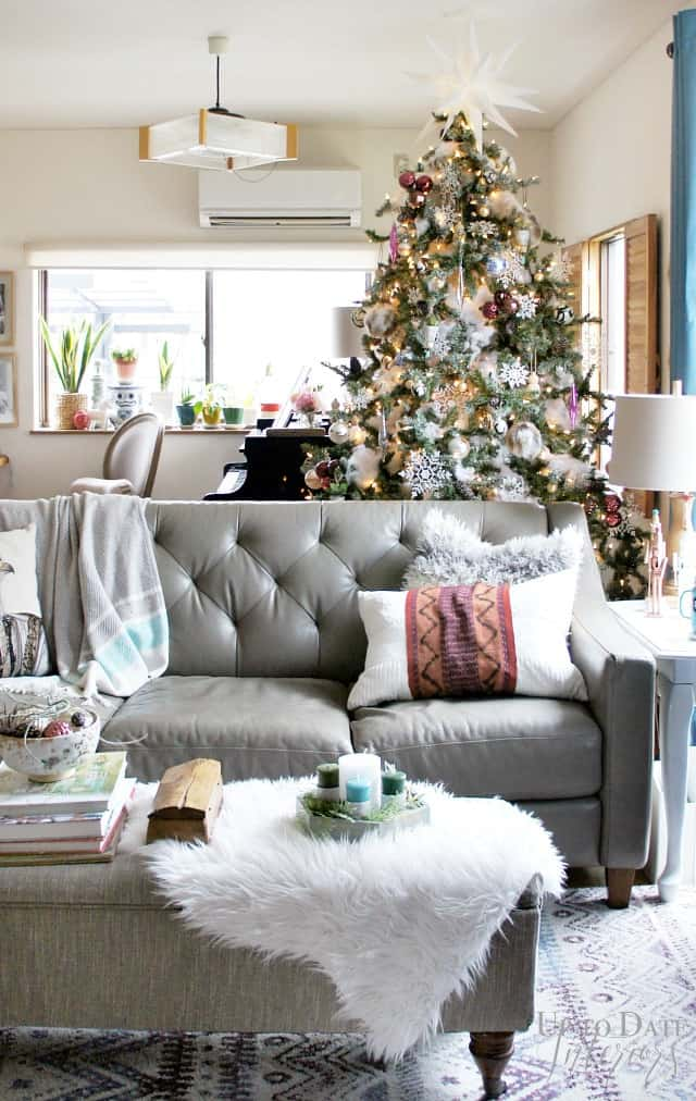 modern-global-eclectic-christmas-tree